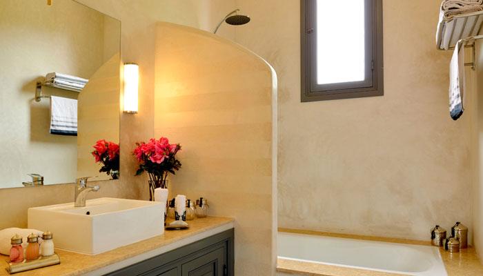 Kasbah Suite bathroom, Villa Dinari, Marrakech