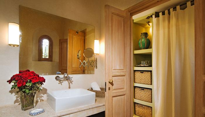 Villa Dinari's beautiful Oriental Bedroom, Marrakech Morocco