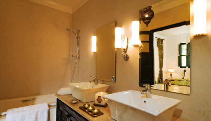 Bathroom in Dinari Suite, Villa Dinari luxury accommodation in Marrakech Morocco